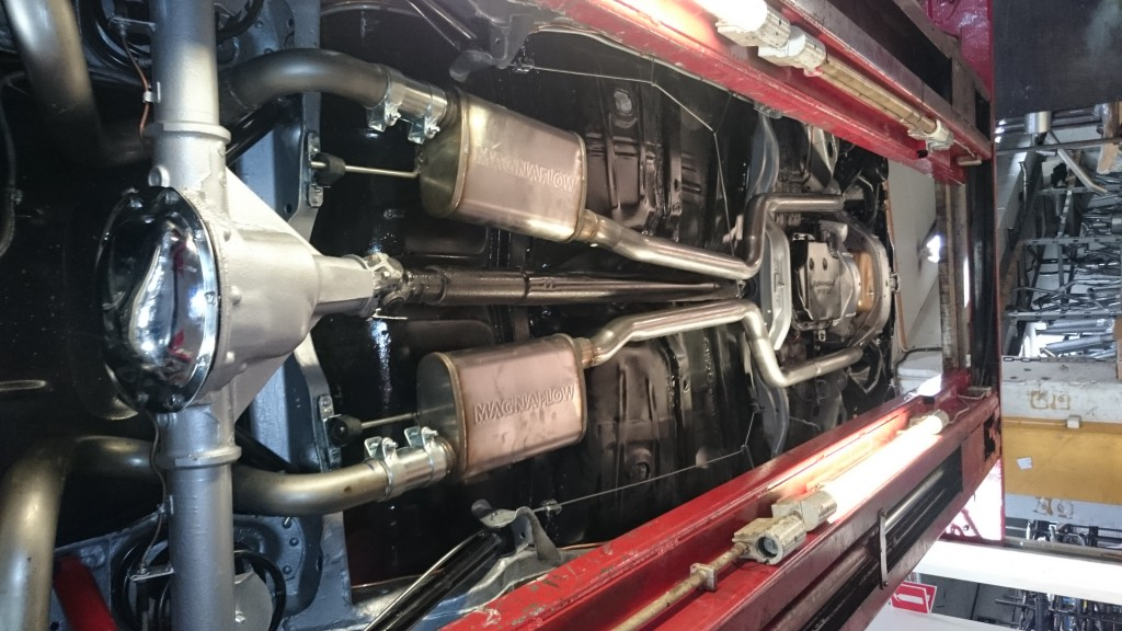 Platsbyggt dubbelt avgassystem Buick